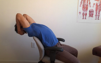 Mobility exercise to improve the flexibility of the upper back or thoracic spine