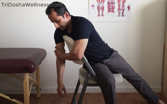 Shoulder Joint Stretch For Pain Relief-1